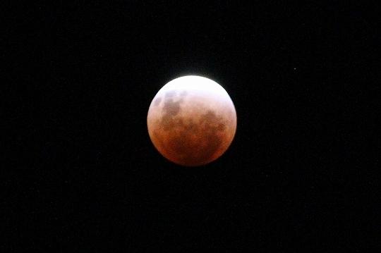 eclipseofthemoon004.jpg